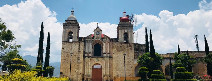 Ex-convento de Villa De Etla is one of Oaxaca.