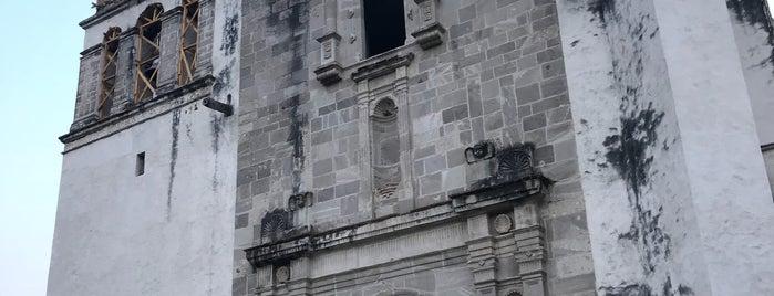Iglesia El Divino Salvador is one of Posti che sono piaciuti a Liliana.