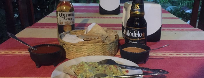 Restaurante Tania is one of Priscilla'nın Beğendiği Mekanlar.