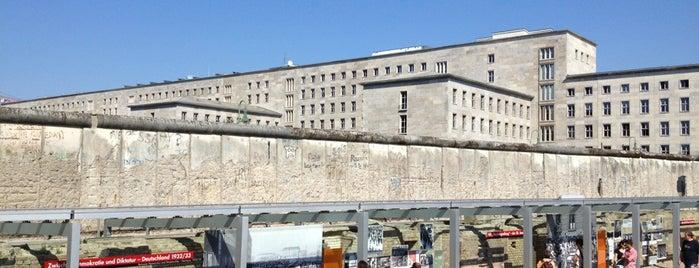 Topografia del Terrore is one of Ich bin ein Berliner.