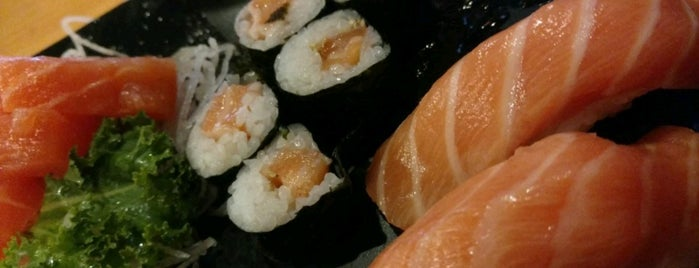 Katana Sushi & Grill is one of Locais curtidos por Natalie.