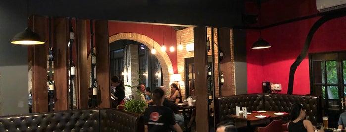 B3 - Steakhouse & Craft Beer is one of Tempat yang Disimpan Matt.