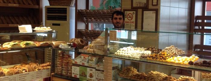 Petek Unlu Mamulleri is one of Restaurantlar.