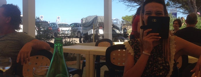 Stella Marina beach bar is one of Lieux qui ont plu à Alíz.
