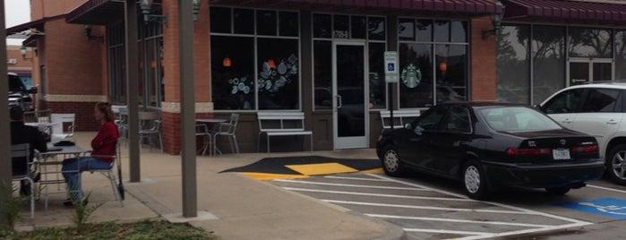 Starbucks is one of Orte, die Dustin gefallen.