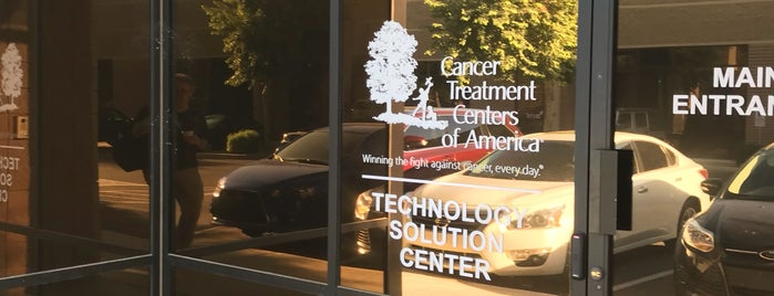 Cancer Treatment Centers of America is one of Roxy 님이 좋아한 장소.