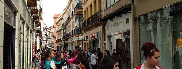 Massimo Dutti is one of Seville.