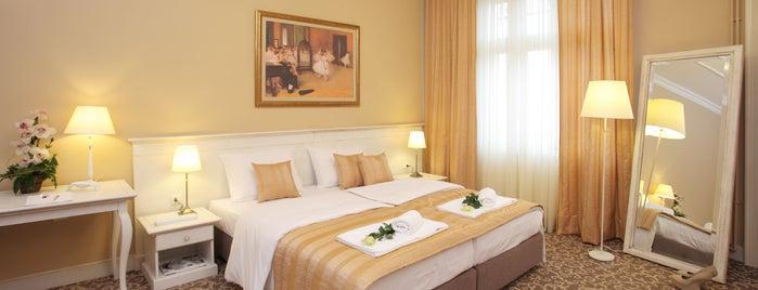 Booking Rooms is one of Lugares favoritos de Gezi Ajandası.