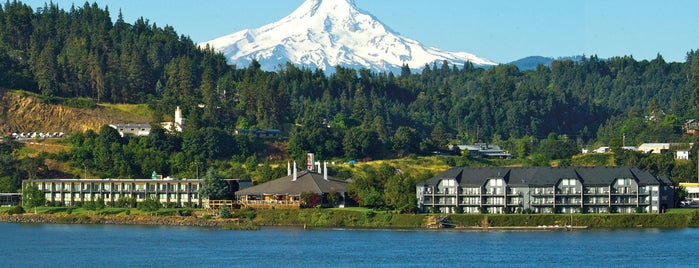 Best Western Plus Hood River Inn is one of สถานที่ที่ Randy ถูกใจ.