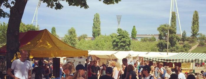 Flohmarkt am Mauerpark is one of Orte, die Kat gefallen.