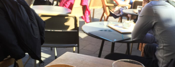 Malongo Café is one of Orte, die Kat gefallen.