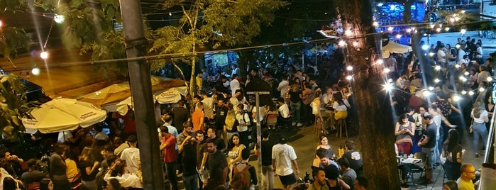 Baixo Pinheiros Bar is one of Pinheiros.