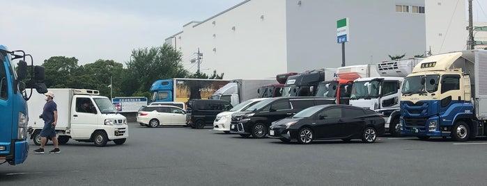 FamilyMart is one of Orte, die 高井 gefallen.