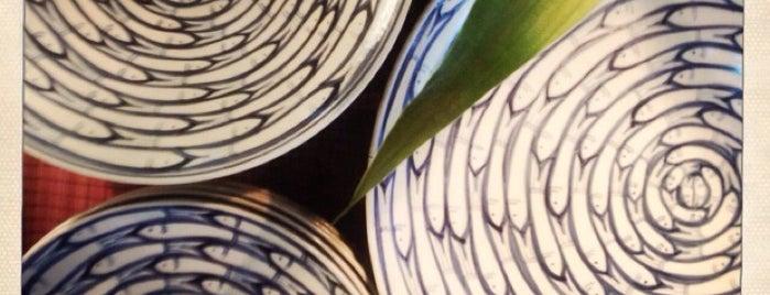Marena Hanoi Lacquerware & Ceramic Shop is one of Hanoi.