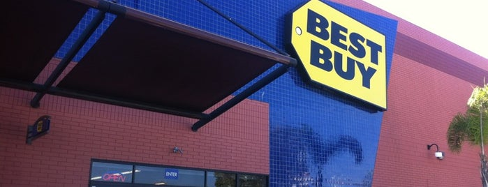Best Buy is one of Posti che sono piaciuti a Надежда.