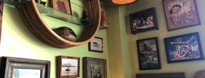 Hula's Island Grill & Tiki Room is one of Posti che sono piaciuti a Odile.
