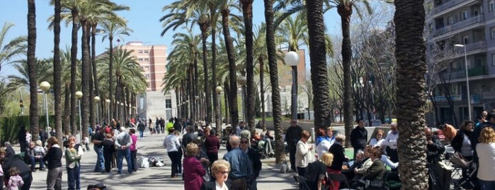 Plaça Trafalgar is one of Biscúters. Recorregut per la ciutat.