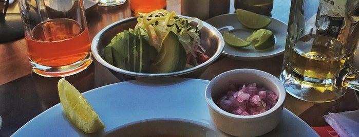 Bellavista Grill is one of Orte, die Zazil gefallen.