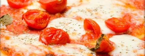 La pizza a casa is one of I love Pizza! I migliori sconti nelle Pizzerie.