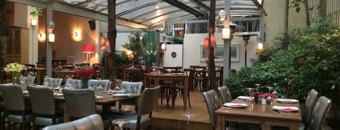 Cezayir Restaurant is one of İstanbul Yeme&İçme Rehberi - 1.