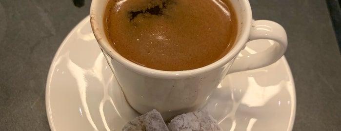 Starbucks is one of Posti che sono piaciuti a Ulaş.