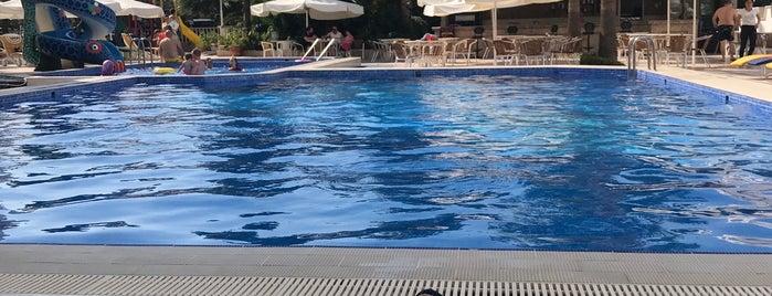 Hotel Billurcu is one of AYVALIK #1 🏊🏄.