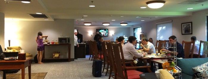 Princeton Marriot Concierge Lounge is one of Locais curtidos por Sammi.