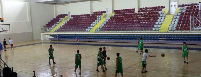 Işıkkent Kapalı Spor Salonu is one of Lieux sauvegardés par Fuat.