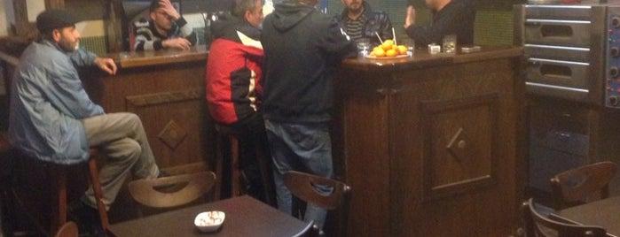 Colina Cafe Bar is one of สถานที่ที่ Sencer Murat ถูกใจ.