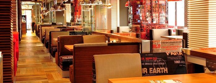 Happy Bar & Grill is one of สถานที่ที่ Boyana ถูกใจ.