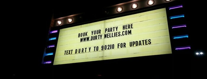 Durty Nellie's West Irish Pub is one of Official Blackhawks Bars.