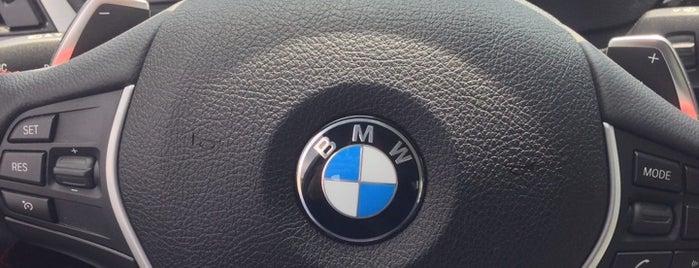 BMW Group Mexico is one of Lugares favoritos de Roberta.
