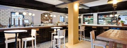 L'Ostia is one of Restaurantes discretos, que permiten conversar.