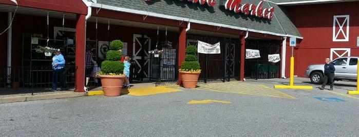 Graul's Market is one of Megan : понравившиеся места.