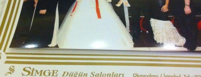Simge Düğün Salonu is one of Tempat yang Disukai Selçuk.