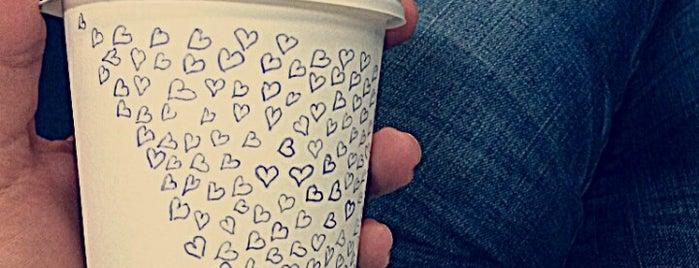 Deštník - cafe bar is one of Kde si pochutnáte na kávě doubleshot?.