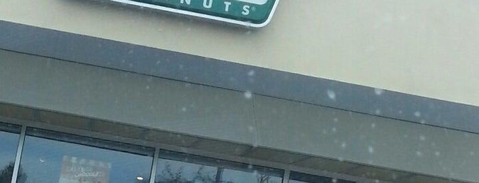 Krispy Kreme Doughnuts is one of Locais curtidos por Mimi.