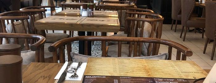 El Senyor is one of İstanbul Yemeİçme.