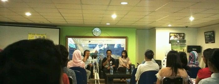 Perpustakaan Diknas is one of Jakarta To Do.