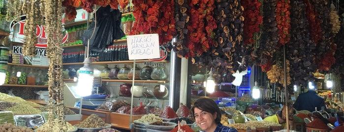 LORD KURUYEMİŞLERİ (Elmacı pazarı) is one of 🙋🏻Aydan 님이 좋아한 장소.