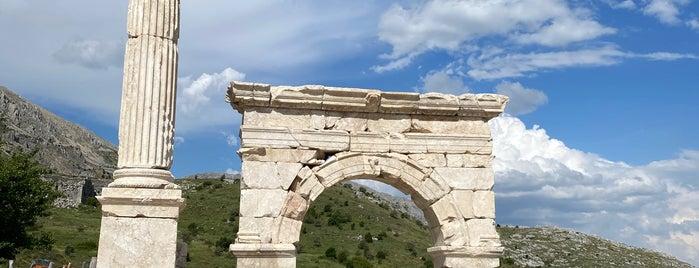 Sagalassos Antoninler Çeşmesi is one of Denizli & Aydın & Burdur & Isparta & Uşak & Afyon.