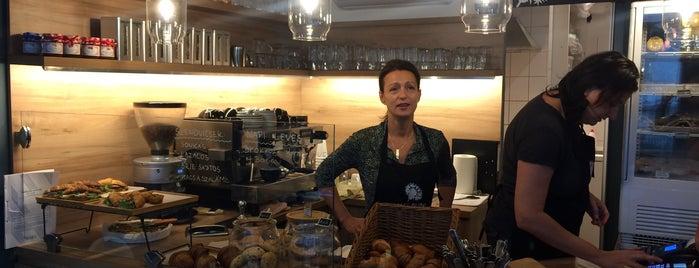 Cafe Blini is one of Locais curtidos por Gergely.