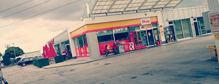 Shell is one of Lugares favoritos de Halil G..