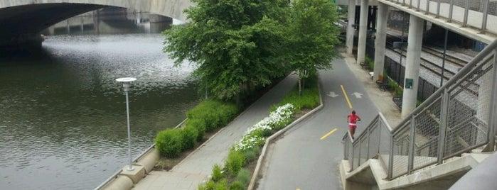 Schuylkill Banks Greenway is one of Lugares guardados de Alana.