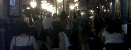 Gran Café Zaragozano is one of Nightclubs en Zaragoza.
