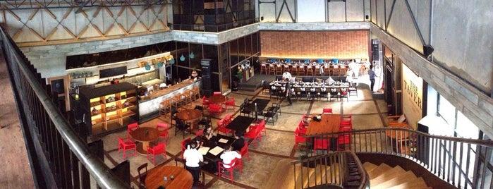 The Tavern is one of Lieux sauvegardés par Sandy.