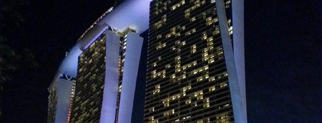 マリーナ・ベイ・サンズ・ホテル is one of My Singapore & JB Holiday.