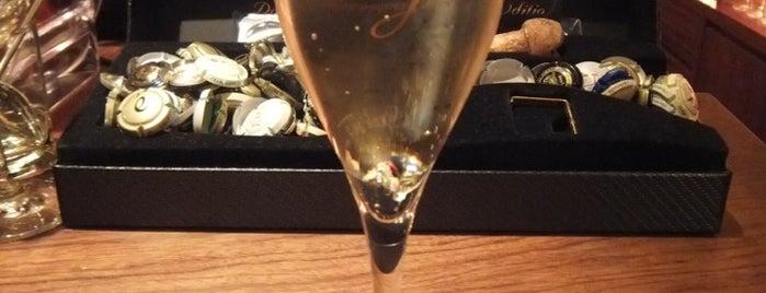 Flute Flute is one of Osaka Bars.