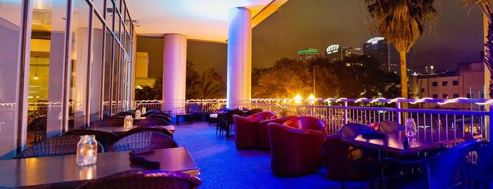 Therapy Brew Bar & Wine Lounge is one of สถานที่ที่บันทึกไว้ของ Mel.