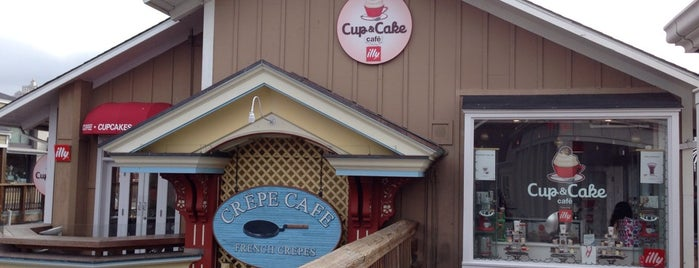 Cup & Cake Cafe is one of Leah 님이 좋아한 장소.